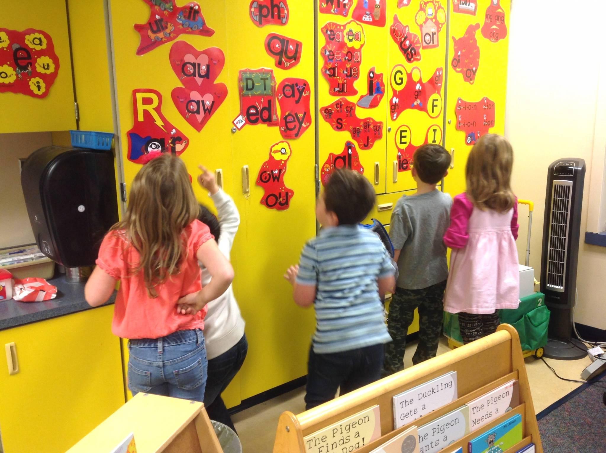 Teaching Reading & Writing in Kindergarten